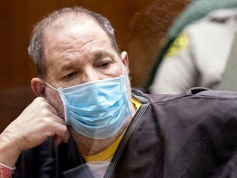 Prozess: Richterin lässt einen Anklagepunkt gegen Weinstein fallen