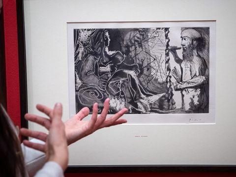 Kunsthalle zeigt eingeschickte haarige Bilder in Ausstellung