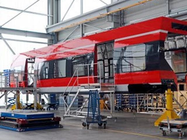 Siemens mit Schnellbahnzügen im Zieleinlauf bei der ÖBB