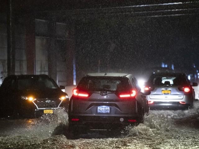 """Ausläufer von """"Ida"""" in New York: Mindestens sieben Tote durch Überschwemmungen"""