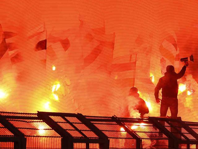 Weiterer Täter gefasst: Geringere Strafe für Gladbach nach Pyro-Attacken von Fans