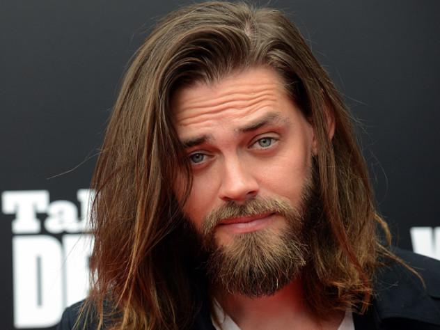 """""""Walking Dead""""-Star Jesus singt spontan in einer Bar Songs von Aerosmith"""
