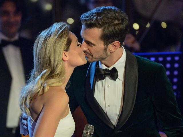 Helene Fischer zeigt Florian Silbereisen ihre Liebe, Angelina Jolie und Brad Pitt nähern sich wieder an: Die Liebesnews der Woche
