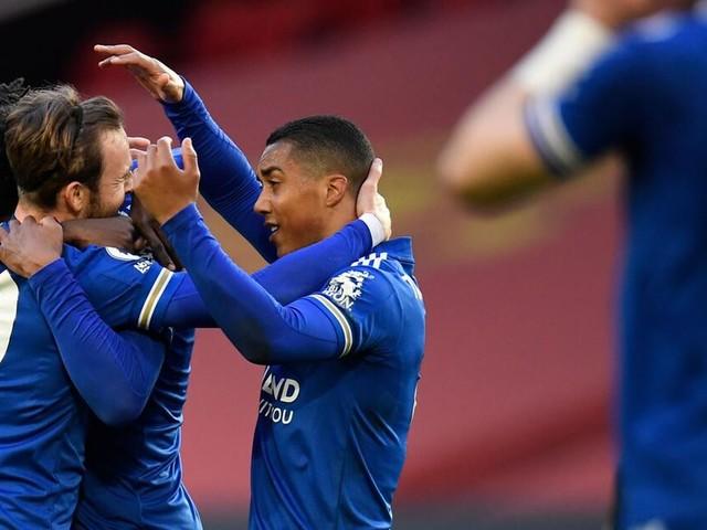 Man City zum siebten Mal Fußballmeister - Guardiola will drei Titel