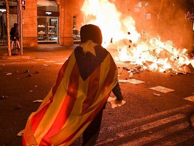 Generalstreik und Massenproteste legen Katalonien lahm