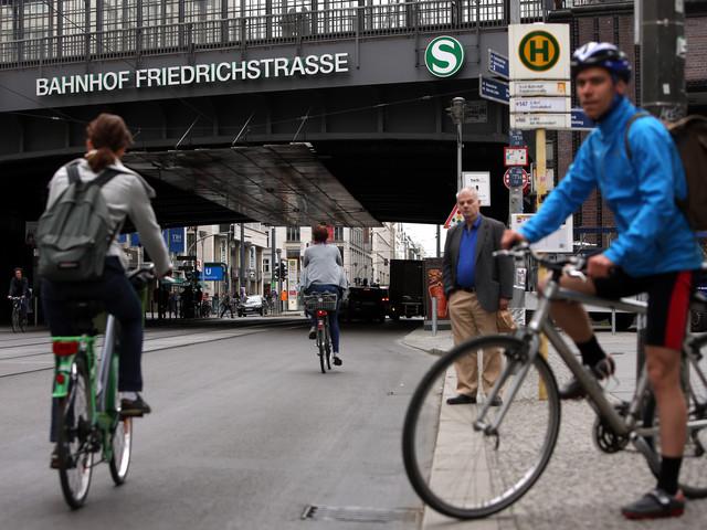 Unterschriften sammeln für besseren Radverkehr