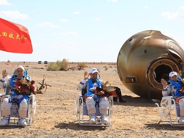 Raumfahrt: Chinesische Astronauten nach drei Monaten im All wieder auf der Erde