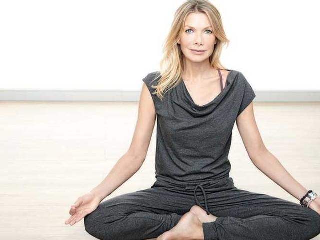 Aldi Süd bietet Yoga-Kollektion mit Ursula Karven an