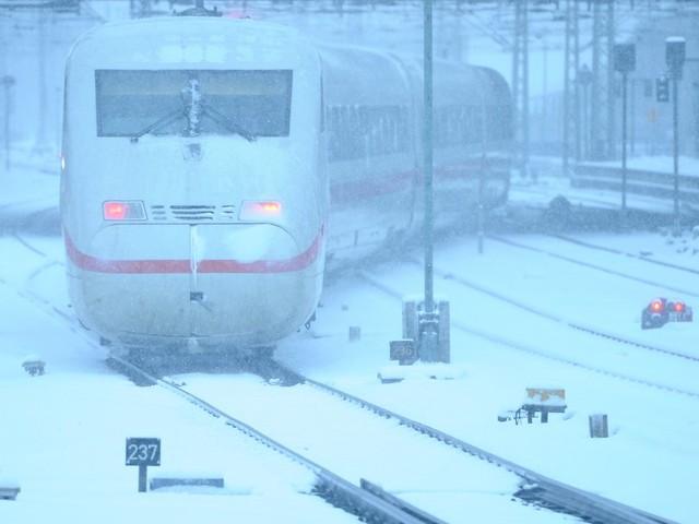 Wetterdaten gegen Schneechaos: Bekommt die Bahn den Winter in den Griff?