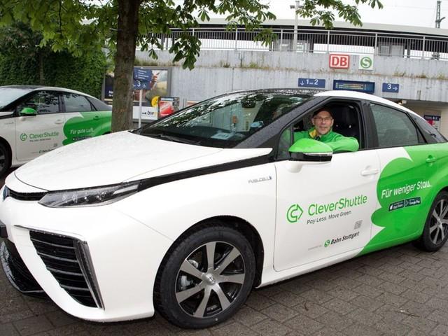 Gutachter soll erneut Taxi-Branche beleuchten: Harter Kampf um Fahrgäste in Stuttgart