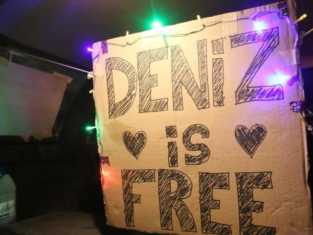 Deniz Yücel ist zurück in Berlin