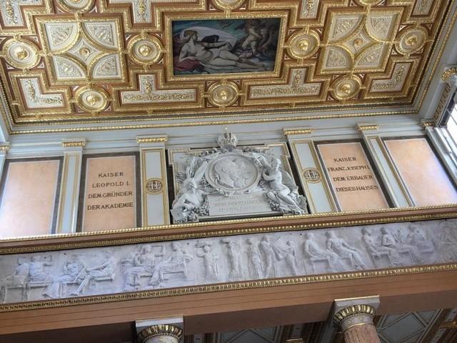 Die Akademie kehrt zurück – in einen Prachtpalast am Schillerplatz