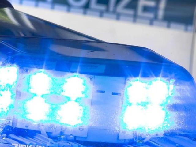 Bis zu 18 Beteiligte - Angriff mit Holzknüppeln: Nächtliche Attacke auf Berliner Hotel - mehrere Verletzte