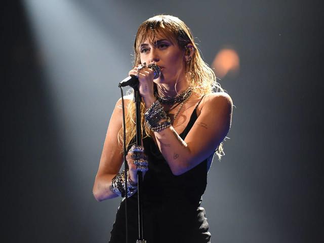 Miley Cyrus: Wir haben ihre Alben nach kommerziellem Erfolg sortiert