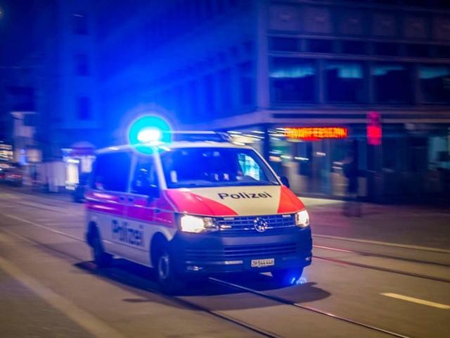 Schweiz: Äste fallen auf Kinderwagen – Säugling stirbt