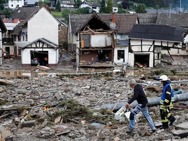 Nach Einsatz in Flutgebieten: Katastrophenhelfer stehen für weitere Unterstützung bereit