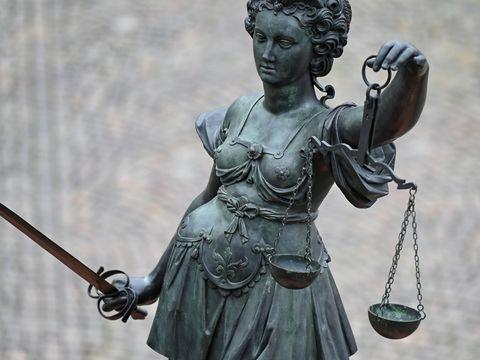 Mutter wegen Mordversuchs an Tochter vor Gericht: Urteil