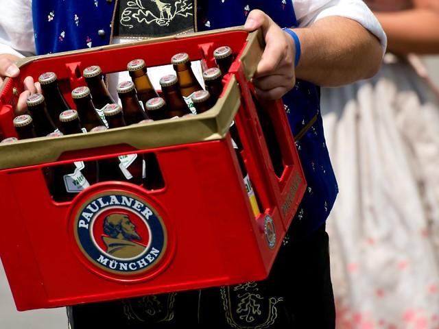 Zu wenig Behälter kommen zurück: Bierbrauer fordern höheres Kistenpfand