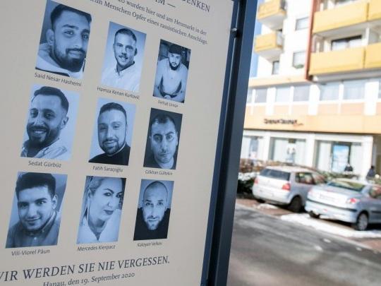 """Gedenkfeier in Hanau - Bundespräsident Steinmeier betont """"Bringschuld"""" des Staates bei Aufklärung des Anschlags"""
