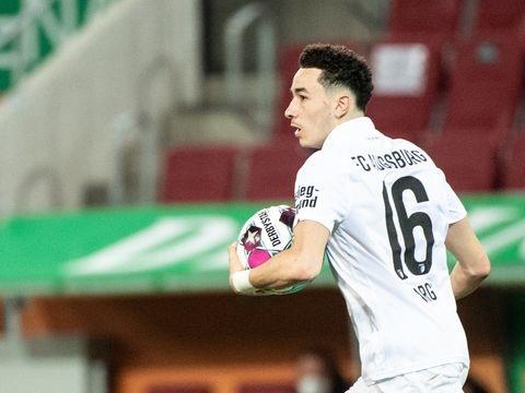 Bundesliga: FC Augsburg verlängert mit Schweizer Nationalspieler Vargas