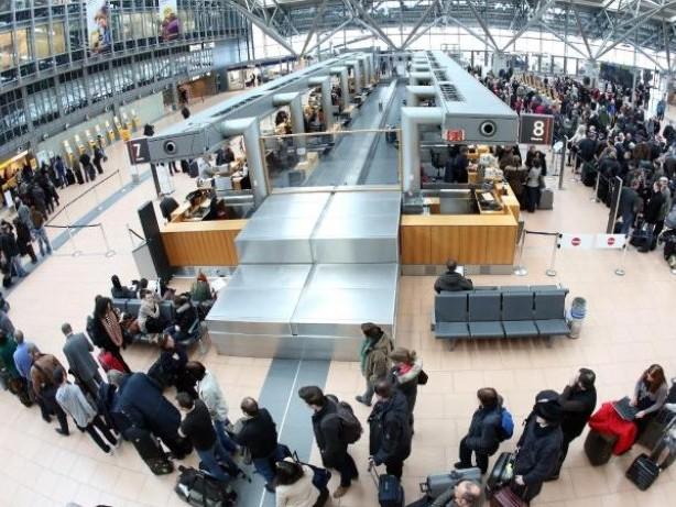 Reiseplanung: Zeit für Gepäckabgabe bei Online-Check-In einplanen