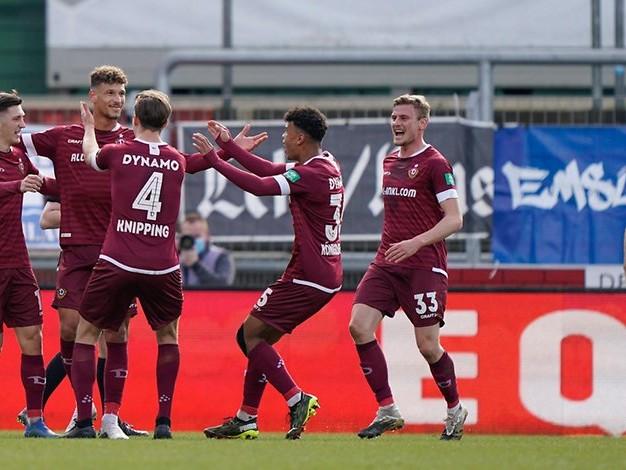 Hansa jubelt in der Nachspielzeit: Dynamo Dresden lässt es zum Jubiläum krachen