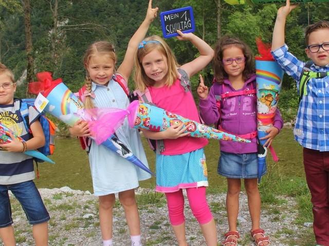 Kopftuchverbot, Ziffernnoten & Co.: Das bringt das neue Schuljahr