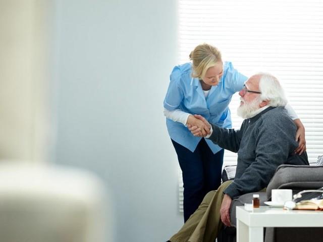 Wer künftig für die Pflege zahlt