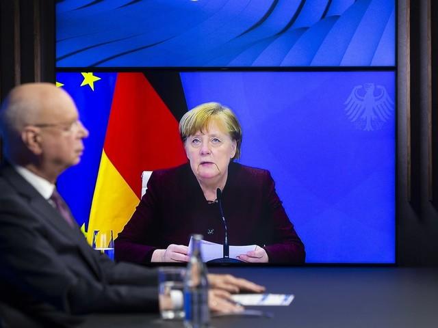Angela Merkel beklagt in Davos langsame Corona-Entscheidungen