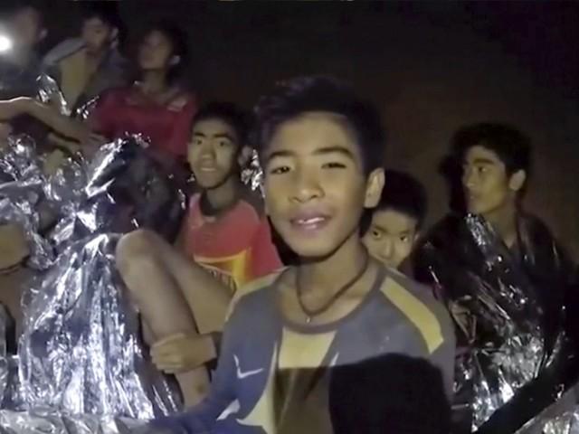 """Jungen in Höhle: """"Macht euch keine Sorgen"""""""