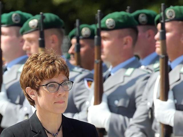 Gedenken an Hitler-Attentat: Kramp-Karrenbauer gedenkt Widerstand gegen NS-Regime