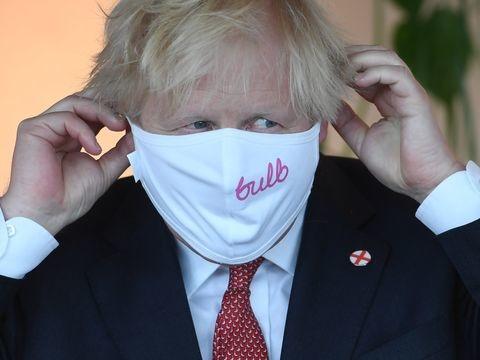 Großbritannien: Johnson hebt die Corona-Regeln auf - und mahnt zur Vorsicht