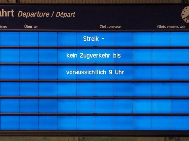 Lokführer und Zugbegleiter wollen streiken: GDL-Chef kündigt härtere und längere Streiks an