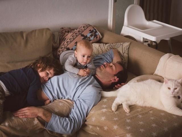 Elterncouch: Wenn der Akku ständig leer ist