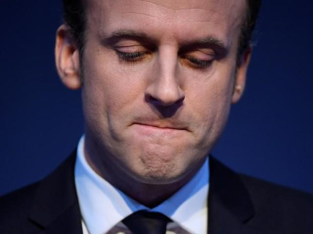 """""""Nieder mit der Macronie!"""" Mann ohrfeigt Frankreichs Präsident"""