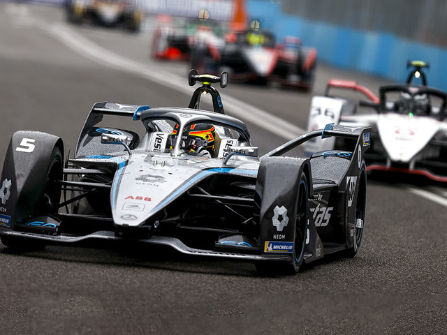 Formel E: Rom Mercedes-Pilot schlägt zurück