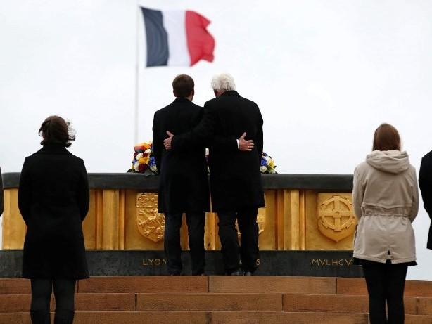 Freundschaft: Steinmeier und Macron zeigen Einigkeit auf dem Todesberg