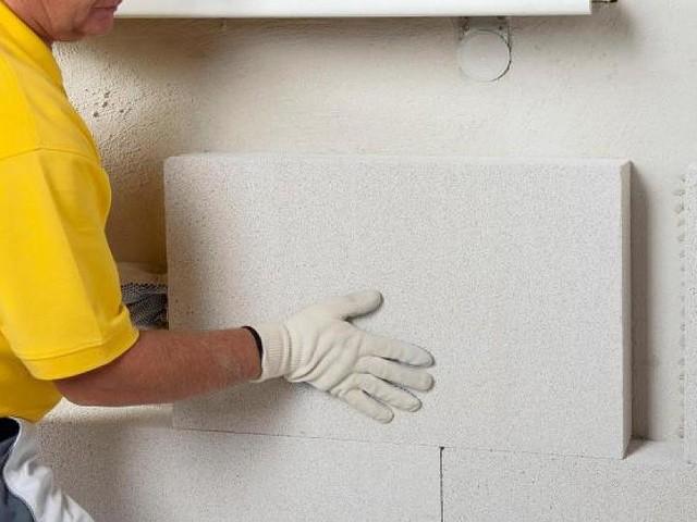 Richtiger Schimmelschutz - Giftalarm in den eigenen vier Wänden – worauf Sie beim Dämmen achten müssen