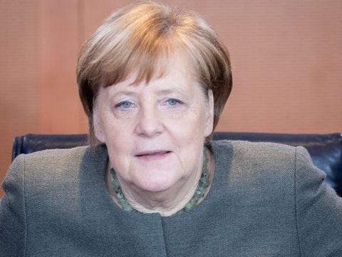 Merkel kommt zum Bürgerdialog und trifft Theaterleute