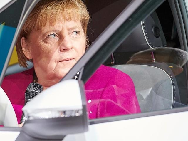 IAA - Merkel will schnellen Ausbau der Infrastruktur für neue Mobilität