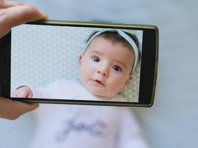 Dürfen Eltern Kinderfotos auf Facebook posten?