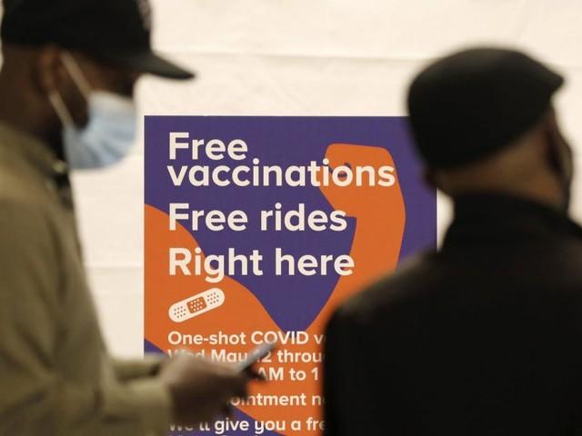 Joints, Donuts und eine Million Dollar: Impfanreize in den USA