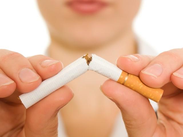 7 Maßnahmen, die Menschen noch effizienter vom Rauchen abhalten als Schockbilder