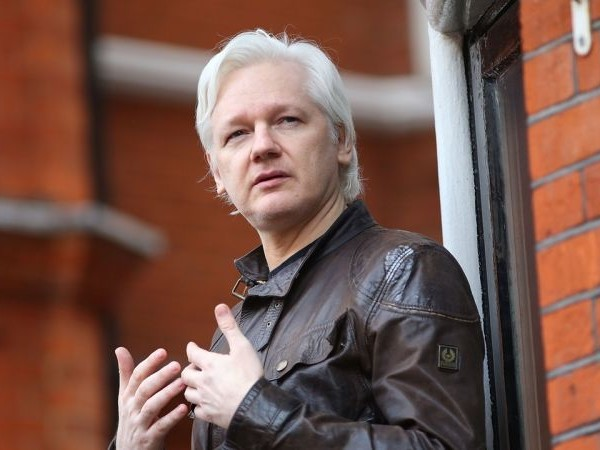 Ecuador's President Calls Julian Assange 'More Than a Nuisance' as Country Realizes It's Stuck With Him