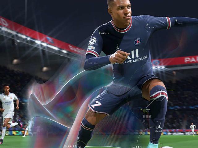 FIFA 22: Twitch-Streamer zieht eine der besten FUT-Karten und rastet völlig aus