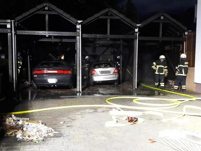 Autos brennen an der Kastilport in Trier