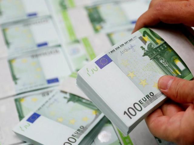 Kampf um die EU-Schuldenpolitik: Wer zahlt für die Krise?