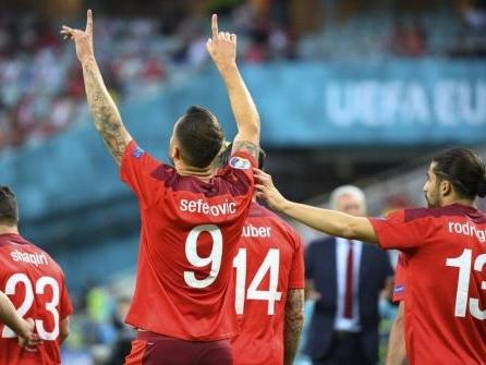 Shaqiri wahrt Schweizer Achtelfinal-Chance - Aus für Türkei