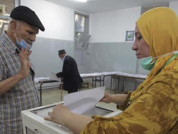 Nordafrika: Parlamentswahl in Algerien: Viele wählen Boykott