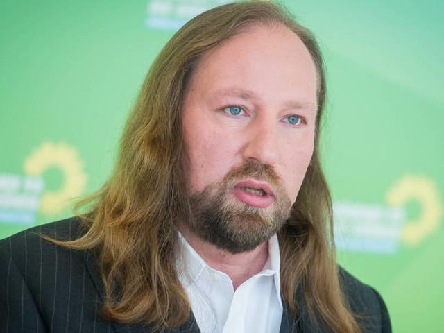 Grünen-Fraktionschef Hofreiter fordert milliardenschweres Klima-Vorsorge-Paket